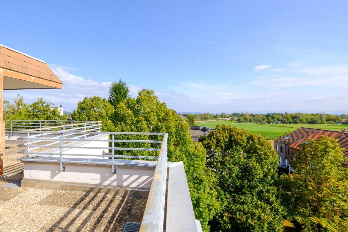 6‑Zimmer-Maisonette-Penthouse-Wohnung mit herrlichem Ausblick in S‑Heumaden!